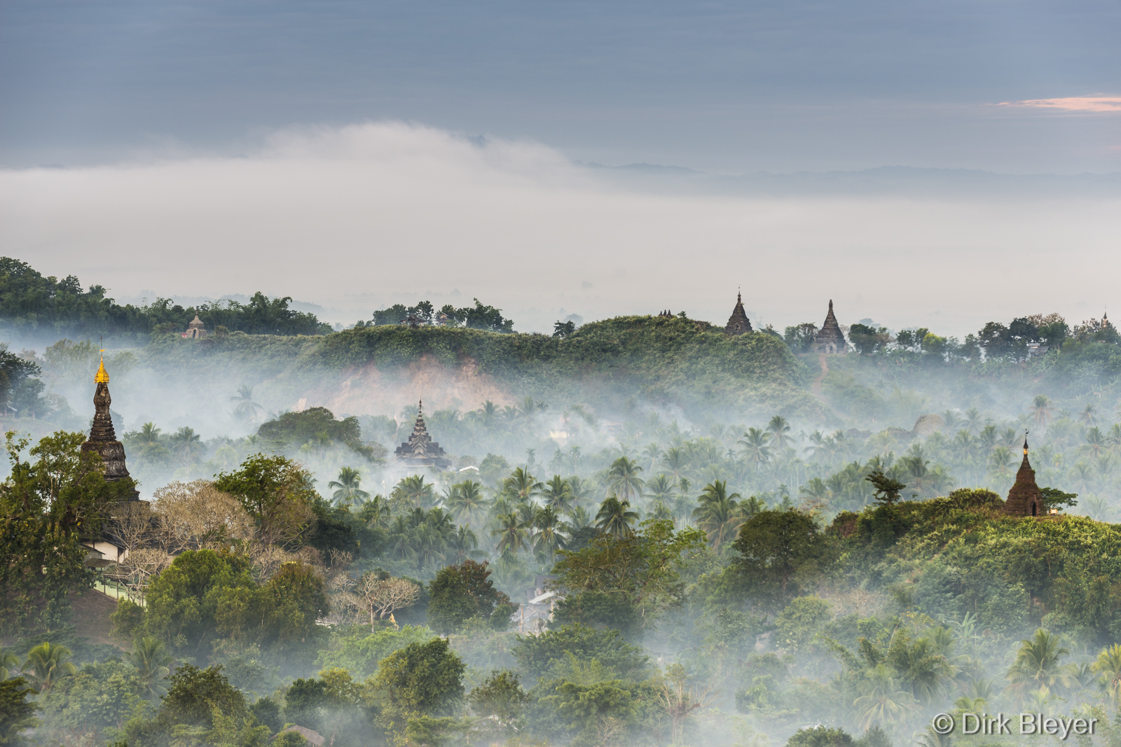Morgennebel in Mrauk U